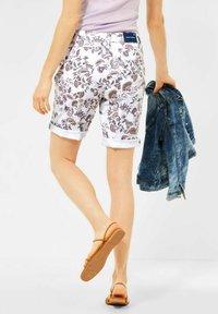 Cecil - Shorts di jeans - weiß - 2