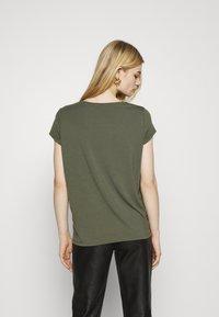 ONLY - ONLBRIELLE GRACE BLING BOX - Print T-shirt - kalamata/gold - 2