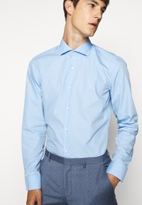 HUGO - KERY - Formal shirt - light pastel blue - 3