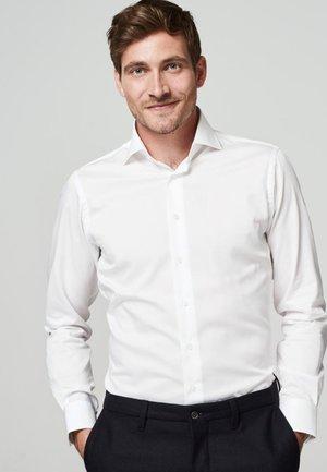 SLIM FIT - Zakelijk overhemd - wit
