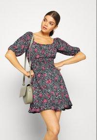Miss Selfridge - SQUARE NECK SHIRRED DRESS - Robe d'été - multi-coloured - 4
