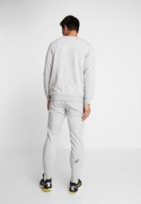 ASICS - CHEST LOGO CREW - Sweatshirt - mid grey heather - 2