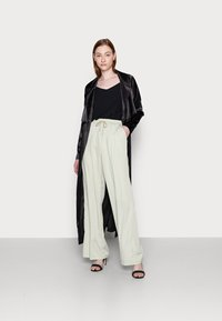 Missguided Tall - WIDE LEG TROUSER - Trousers - sage - 1