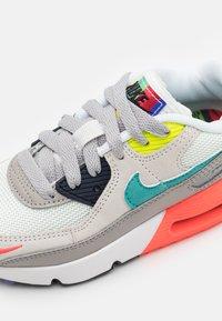 Nike Sportswear - AIR MAX 90 EOI UNISEX - Sneakers laag - pearl grey/sport turquoise/summit white/black - 5