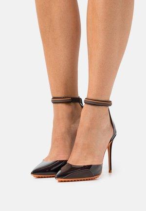 INVISI - High heels - dark brown