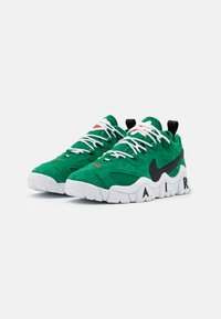 Nike Sportswear - AIR BARRAGE UNISEX - Sneakers - clover/black/white/chile red - 1