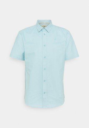 CORE STRIPE SHIRT - Skjorte - pale blue