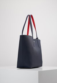 Lacoste - REVERSIBLE - Shopping bags - peacoat salsa - 3