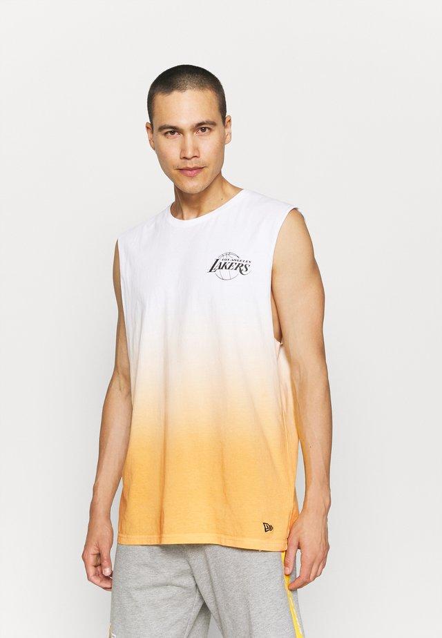 LOS ANGELES LAKERS NBA DIP DYE SLEEVELESS TEE - Club wear - white/yellow