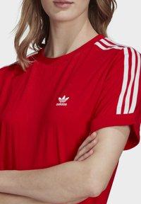 adidas Originals - TEE DRESS - Jersey dress - red - 4