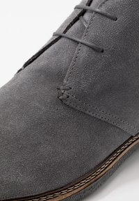 Walk London - DYLAN DESERT BOOT - Stringate sportive - crut grey - 5