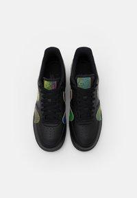 Nike Sportswear - AIR FORCE 1 '07 UNISEX - Trainers - black/multicolor - 3