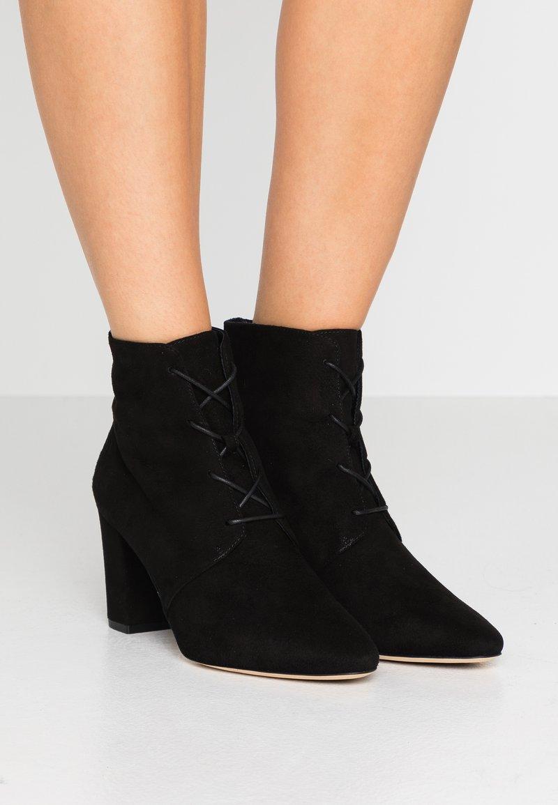 LK Bennett - LIRA - Šněrovací kotníkové boty - black