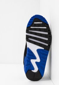 Nike Sportswear - AIR MAX 90 UNISEX - Sneakers basse - white/particle grey/light smoke grey/hyper royal - 5
