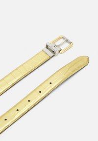 Lauren Ralph Lauren - CROC EMBOSS TWO TONE - Belte - antique gold-coloured/black - 3