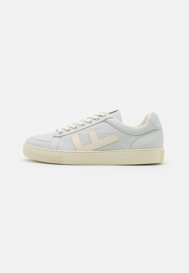 CLASSIC 70'S KICKS UNISEX - Sneaker low - ice/micro grey