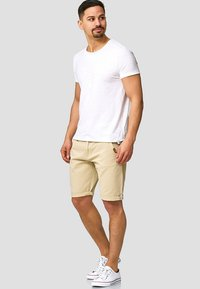 INDICODE JEANS - CASUAL FIT - Shorts - fog - 1