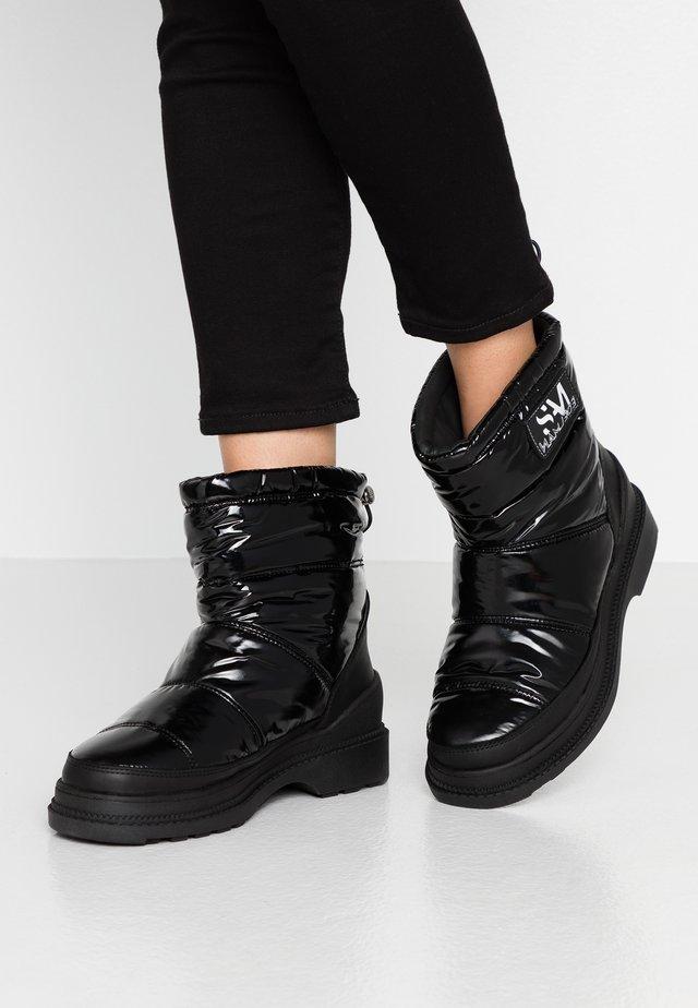CARLTON - Winter boots - black