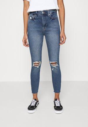 WAIST CROP RAW EDGE - Jeans Skinny Fit - blue