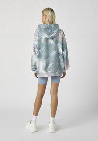 PULL&BEAR - Bluza z kapturem - grey - 2