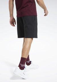 Reebok Classic - CLASSICS VECTOR SHORTS - Shorts - black - 2