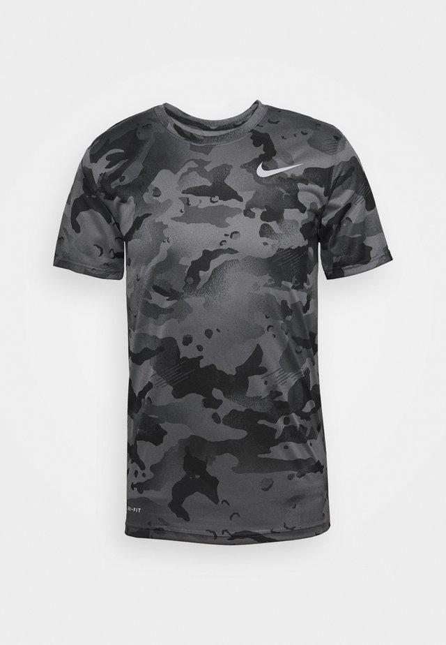 DRY TEE CAMO - T-shirt print - smoke grey/grey fog