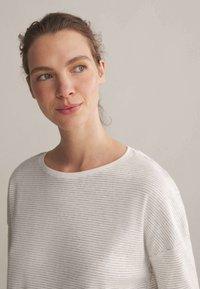 OYSHO - Pyjama top - white - 3