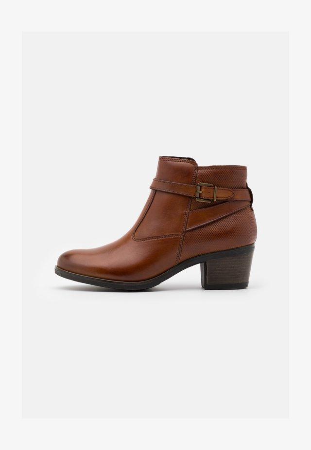 LEATHER - Boots à talons - cognac