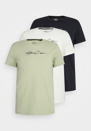 SCRIPT TECH 3 PACK - Basic T-shirt - off-white/green/black