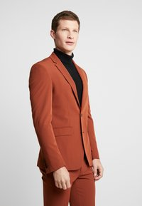 Burton Menswear London - CONKER STRETCH - Suit jacket - brown - 0