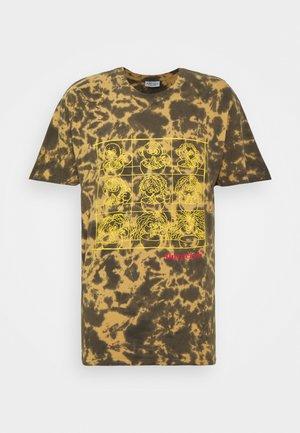SLURP CLUB - Print T-shirt - brown