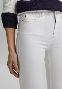 Esprit - MR CAPRI - Pantaloni - white - 7