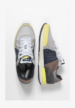 TINKER PRO SUP - Zapatillas - light grey