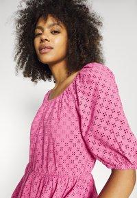 YAS - YASVOLANT DRESS SHOW - Denní šaty - azalea pink - 3