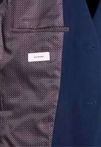 Isaac Dewhirst - FASHION SUIT - Jakkesæt - blue - 10
