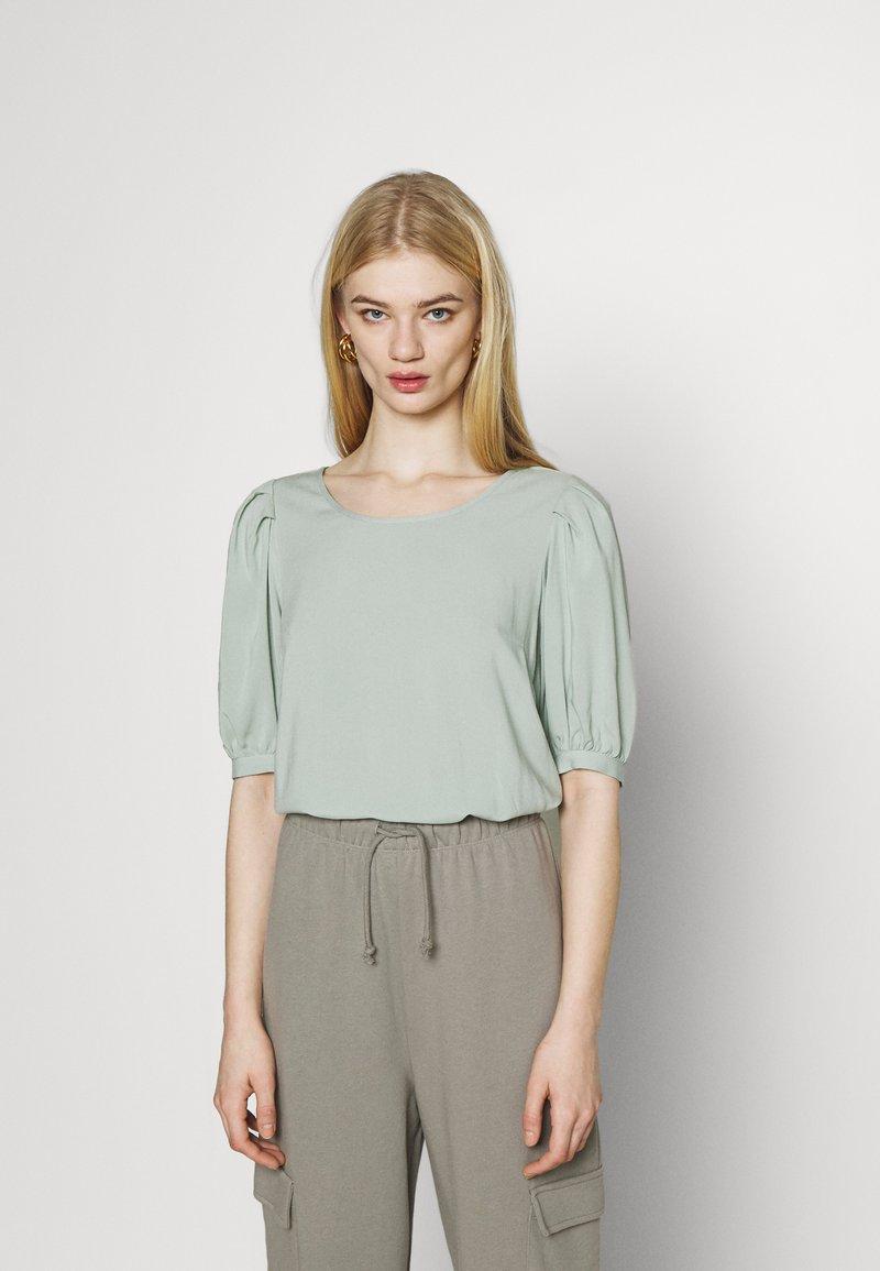 ONLY - ONLKARMA LIFE  SOLID - Basic T-shirt - jadeite