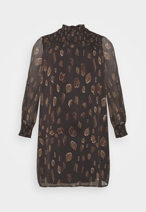 VMFANT O-NECK DRESS - Day dress - phantom