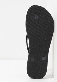 Havaianas - SLIM FIT SPARKLE - T-bar sandals - black - 6