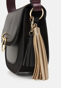 NAF NAF - RISABELITA - Across body bag - noir - 3