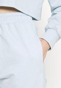 Missguided - OFF THE SHOULDER SET - Sweatshirt - baby blue - 7