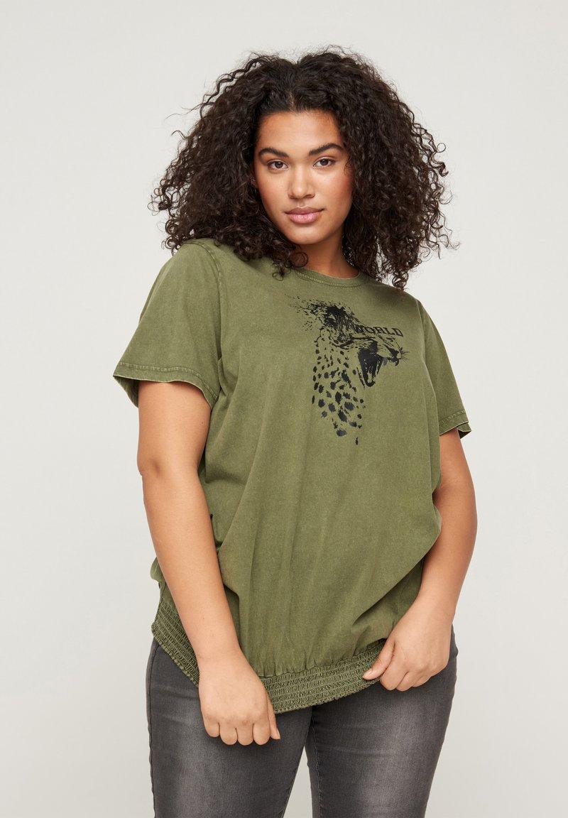 Zizzi - Print T-shirt - ivy green