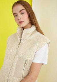 Trendyol - Waistcoat - cream - 3
