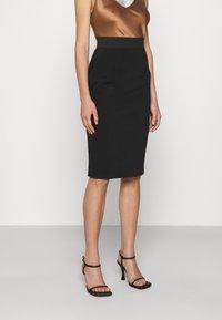 Elisabetta Franchi - Pencil skirt - nero - 0