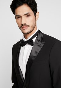 Bertoni - LAPEL TUX - Suit - black - 6