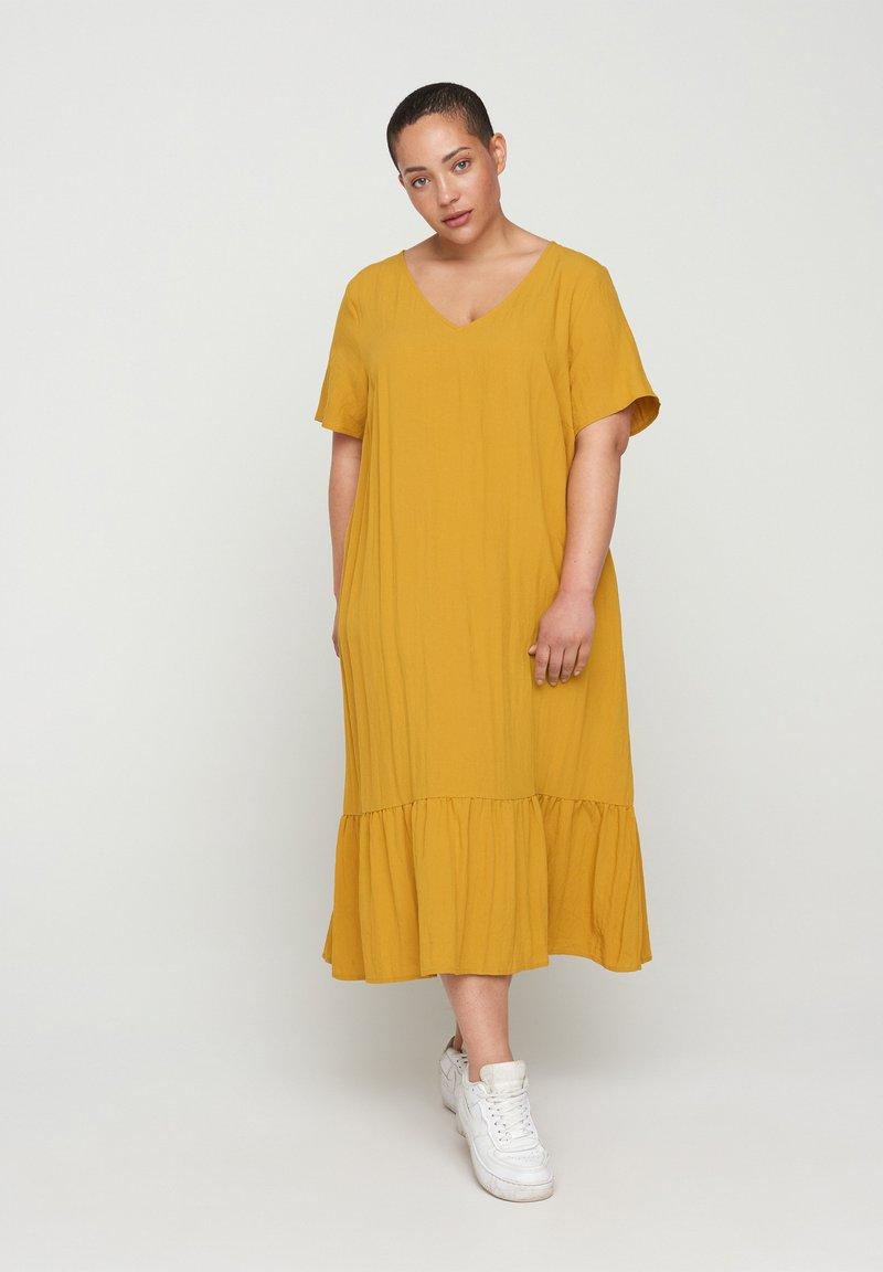 Zizzi - VMACY DRESS - Jersey dress - HARVEST GOLD