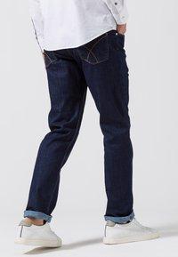 BRAX - STYLE COOPER  - Straight leg jeans - blue black - 2