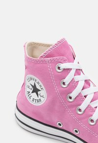 Converse - CHUCK TAYLOR ALL STAR UNISEX - Korkeavartiset tennarit - magic flamingo - 5