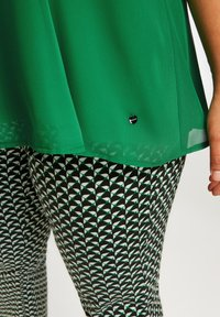 Samoon - Blouse - leaves green - 2