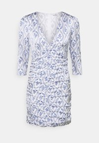 Glamorous - RUCHED MINI DRESSES WITH RUFFLE DETAILS AND PLUNGI - Cocktail dress / Party dress - white/blue - 5