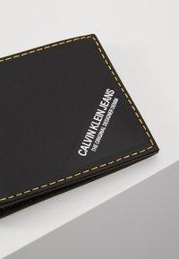 Calvin Klein Jeans - SMOOTH STITCH BILLFOLD - Portfel - black - 2